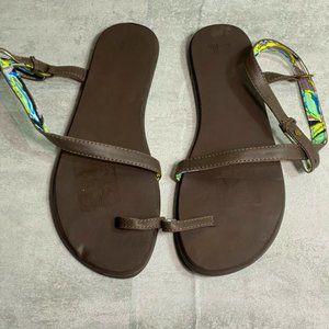Sanuk Wraparound Ankle Strap Toe Ring Leather Brow